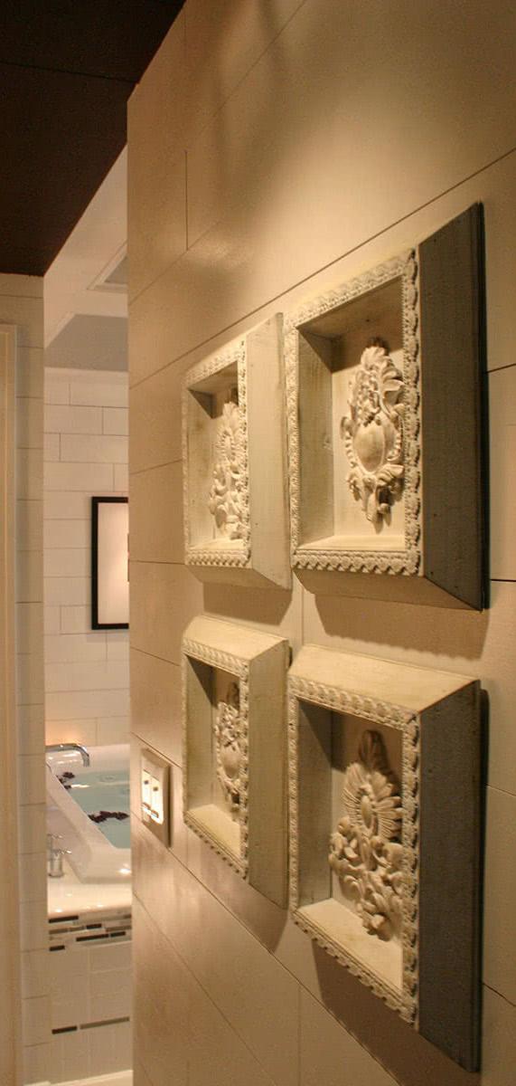 Modern Luxe Master Bathroom Decoration